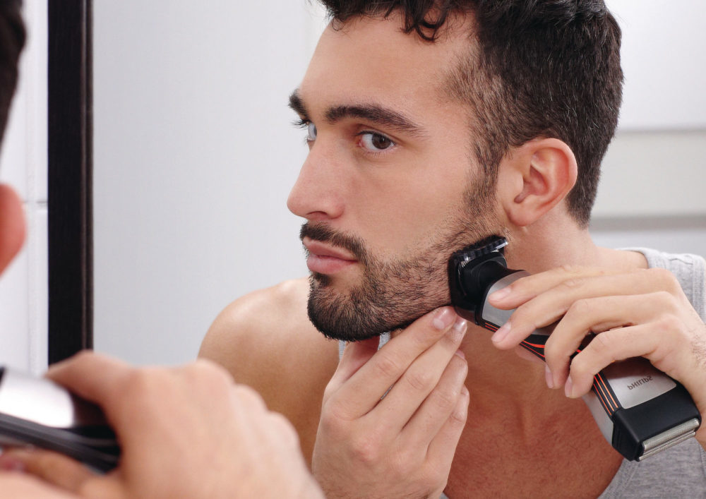 бритье бороды триммером