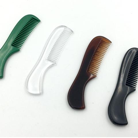 Расческа для усов - различные варианты и как между ними выбрать?