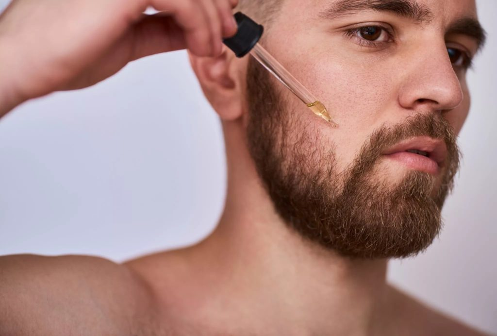 неравномерный рост бороды